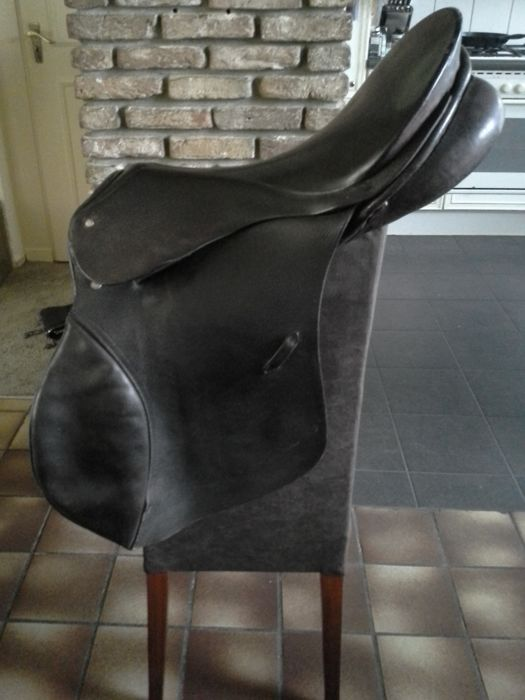 Full leather riding saddle, G. Passier & Sohn.