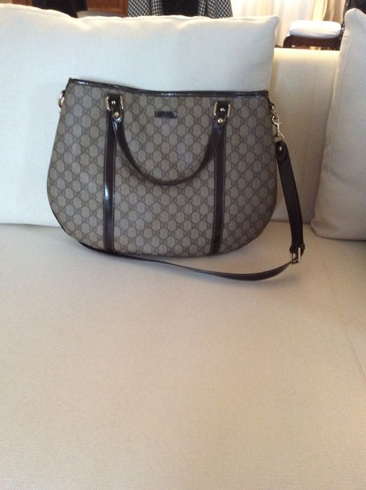 8d3f65a5db Gucci - Beige/Ebony GG Crystal Coated Canvas Borsa a spalla - Catawiki