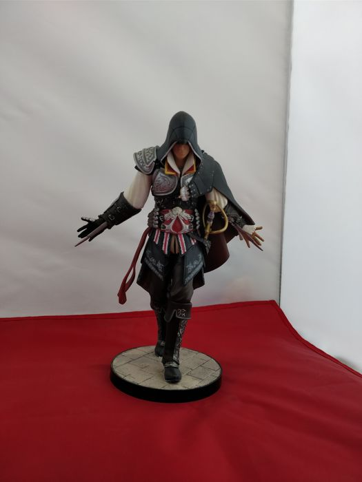 Huge lot of Assassin's Creed Statues