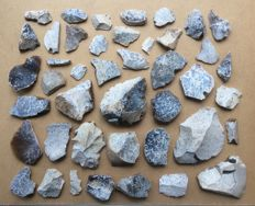 Collection of 43 Mousterian Flint Artefacts from 1 workshop / site - 25/111 mm (43)