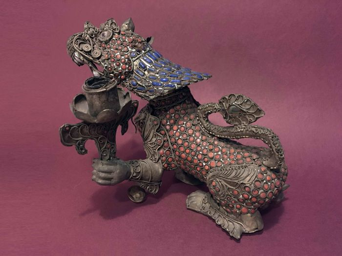 Gilt silver filigree dragon inset with red coral, stones, enamels and glass paste - Nepal - 2nd half 20th century.