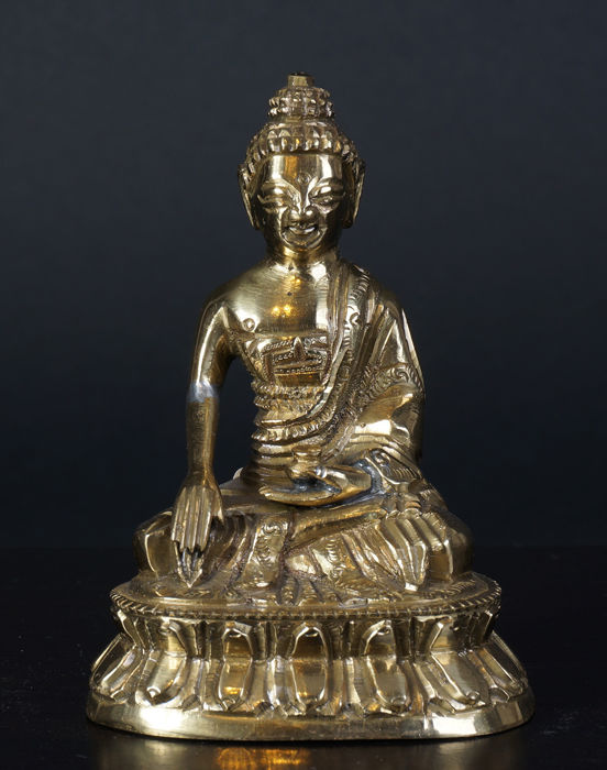 Chinese bronze Buddha - China - late 20th century
