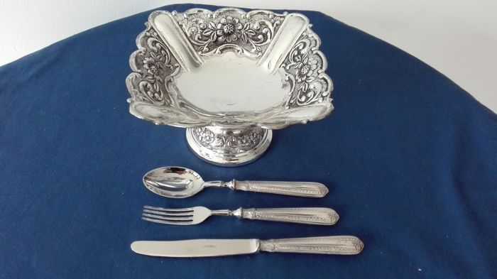 Silver plated cake stand - early childhood 800 silver laminate cutlery