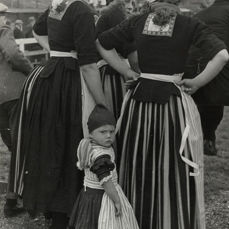 Alfred Eisenstaedt (1898-1995) - Dutch Women & Child at Football Match, 1933