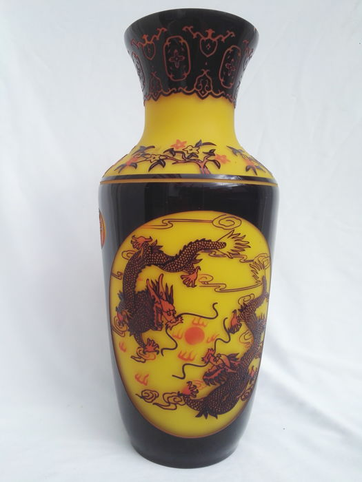 Large glass vase from Beijing – China – late 20th century