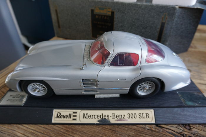 Revell - Scale 1/12 - Mercedes-Benz 300SLR - Zilver