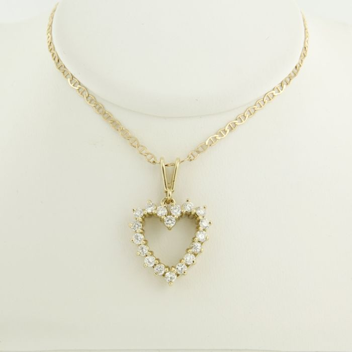 10558b0af No Reserve 14 Kt Yellow Gold Necklace With A Heart Pendant