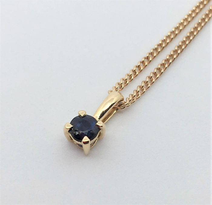 New 18 kt Gold Necklace and Blue Sapphire Pendant - Chain Length: 44 cm - Weight gr. 2,25 - NO RESERVE PRICE
