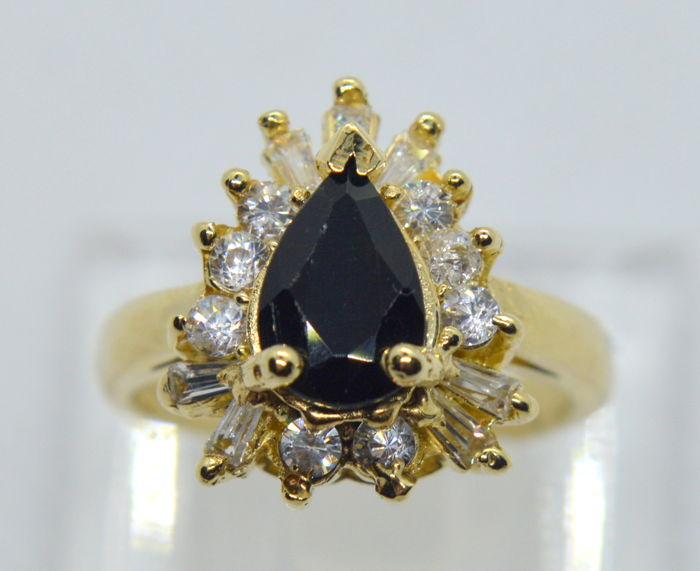 14K Gold Ring - Black Onyx, 0.2 ct diamonds TW, total weight 6.40 gr - size 54 (17.2 mm)