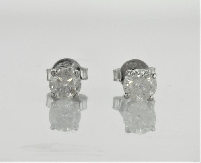 0.78 ct   Round Diamond Stud Earrings 14 kt White Gold