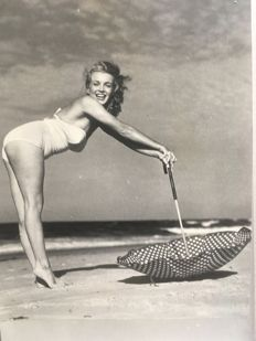 André de Dienes/Milton R. Krasner  - Marylin Monroe, 'Long Island', 1949 / 'The seven year itch', 1955