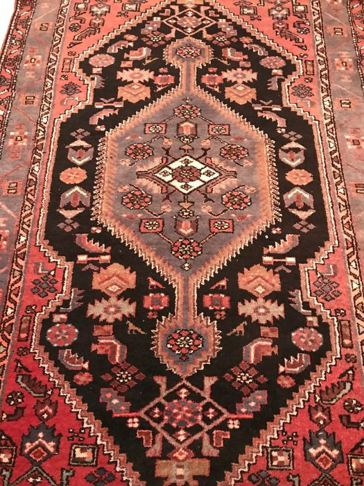 Antique Persian Hamadan rug, Iran, 210 x 135 cm