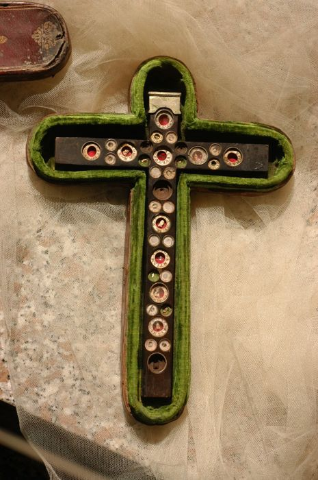 Anthropological cross with leather case - 18th century