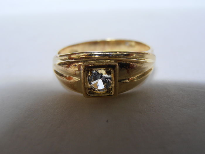 18 kt gold men's ring, with zircon