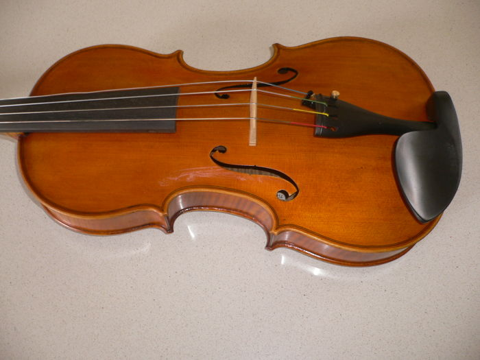 Hungarian master viola by Sandor ELEK (Miskolc, 1936) with valuation report by Fred Lindema, Amsterdam from 2007 (4500 euro)