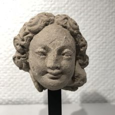 Beautiful head in stucco from Gandhara - H: 9.7 cm