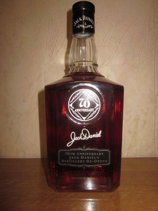 Jack Daniels 70 anniversary 1938 (signed by Frank Bobo)