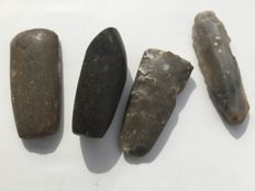 Three small Neolithic stone axes and a blade - Denmark - length 8.5 cm - 7.0 cm -