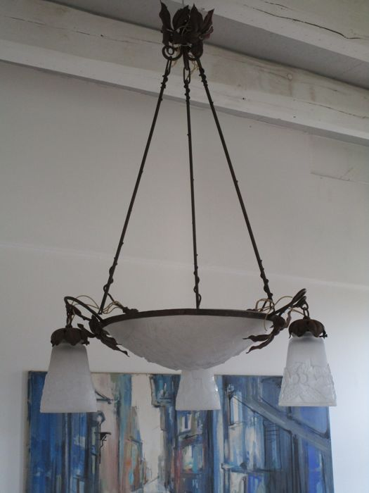 Muller Frères Luneville - ceiling light - lamp - iron frame (4 lighting outlets) - 3 tulips and 1 dome-shaped light cover