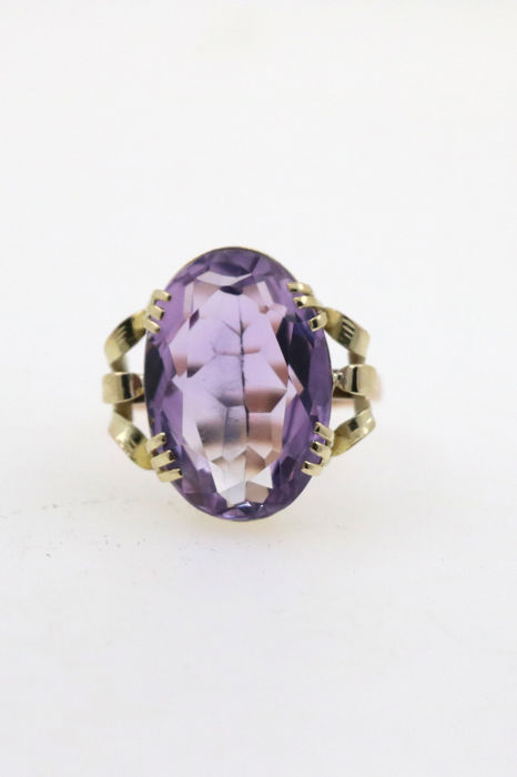 Very beautiful antique ladies' ring in 585 / 14 kt yellow and red gold with amethyst approx. 10 ct – size 57 (EU)