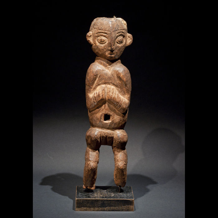 Figurine with inventory number and provenance - BANGWA BAMUM - Cameroon