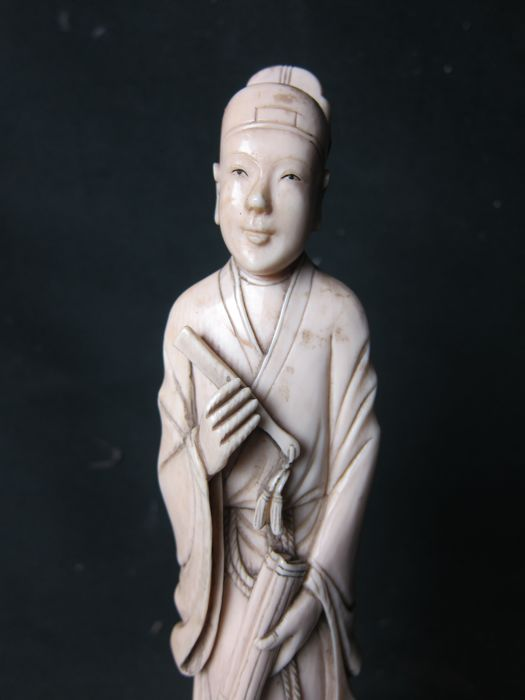 Antique ivory figurine - China - approx. 1900