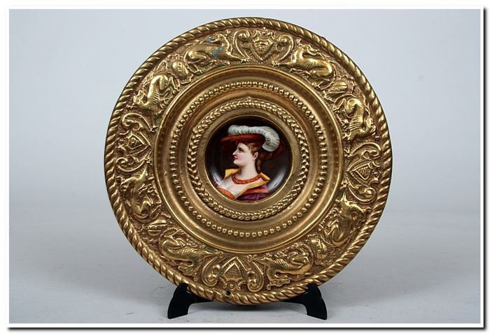 A LARGE WALL PLATE - The second half of the 19th century