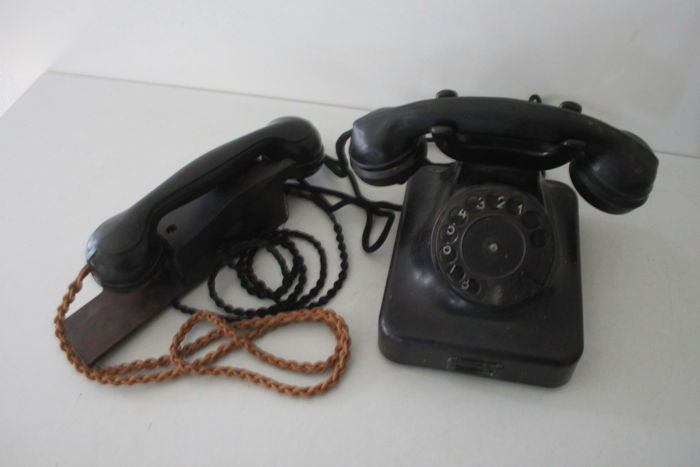 Siemens Table Dial Telephone W/OB 35 (Dial/Local Battery, 1935), Wehrmacht