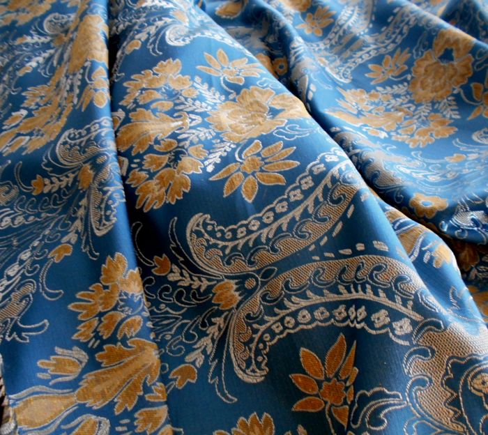 Splendid scampolo damask fabric of good weight - Textiles
