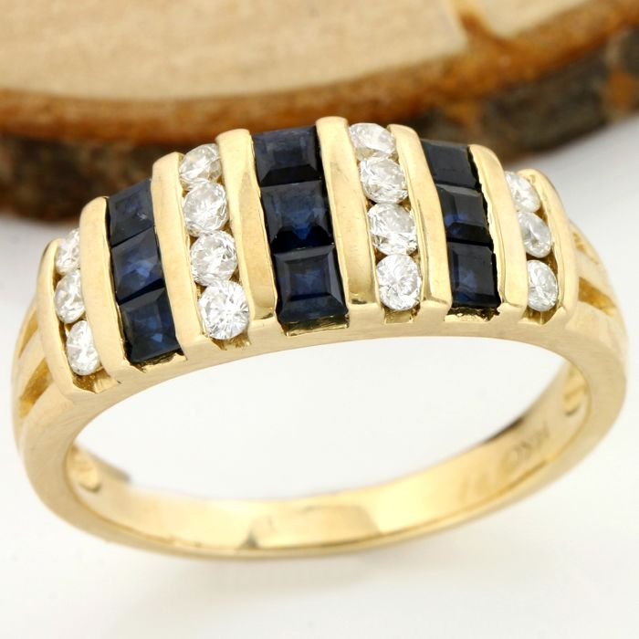 14 kt Yellow Gold - 0.50 ct Sapphire, 0.30 ct H-I, SI1-SI2 Diamond Ring; Size: 6