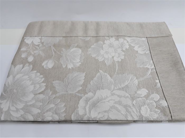 Verona, 2000 - rectangular table set 140x180 - 100% Jacquard damask cotton and linen