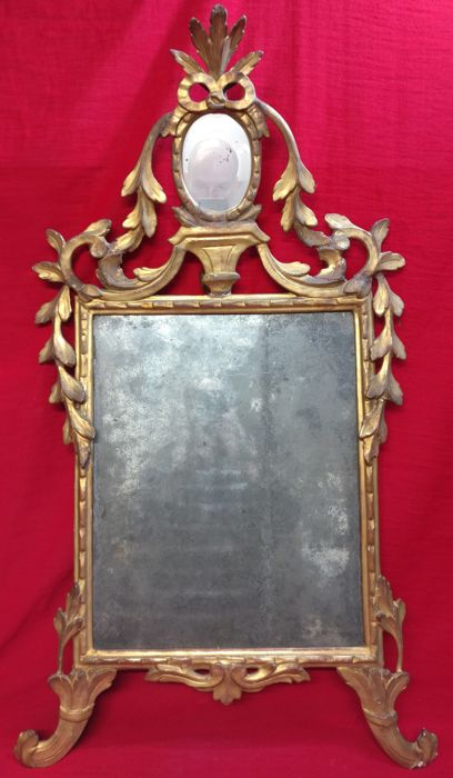 Venetian mirror in pine wood, gilding in gold leaf - Venice, Italy - 18th century
