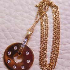 46 cm chain, disk pendant with diamonds, 18 kt yellow gold, weight 8.22 g