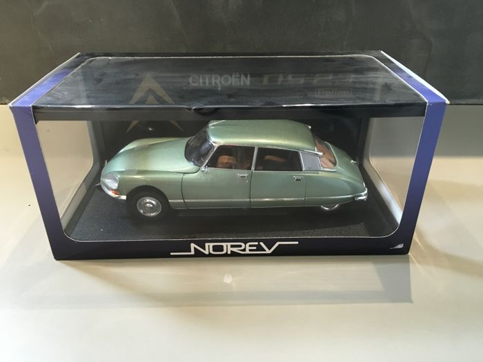 Norev - Scale 1/18 - Citroën DS 23 Pallas - Green