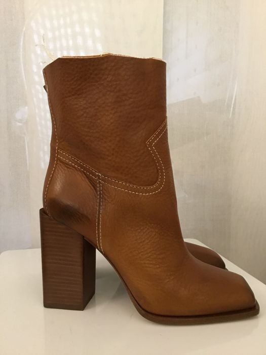 db6c5fd17dc Yves Saint Laurent - Ankle boots - Catawiki
