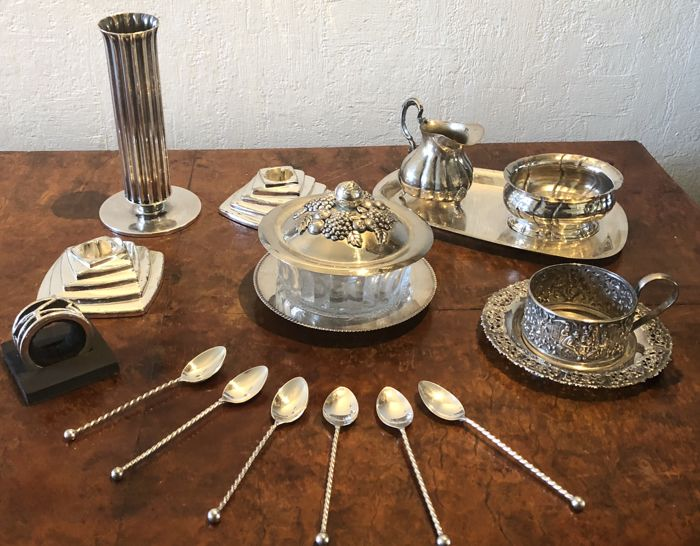 Exquisite collection of silver plated items, to set your breakfast or high tea table attractively, beautiful exclusive item!