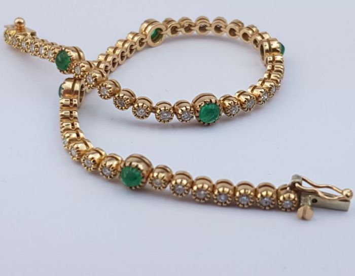 Diamond Bracelet With Emeralds, 18 Ct Yellow Gold, Length:17.5mm, Total weight:10.80g
