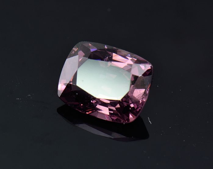 Spinel - 2.57 ct