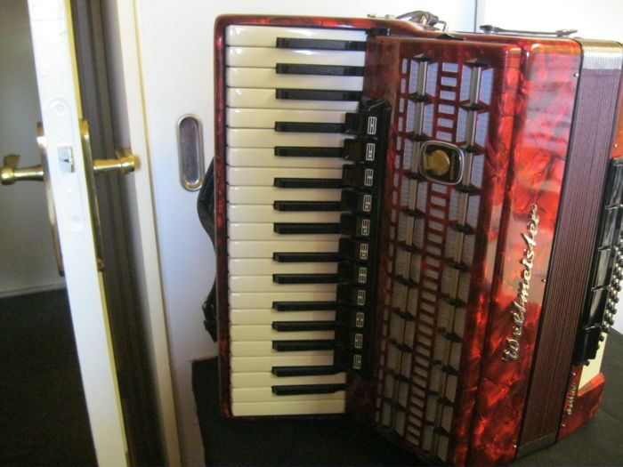 Weltmeister piano serino de luxe accordion