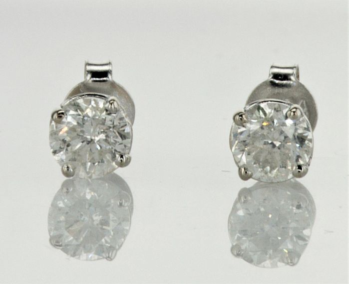 1.02 ct E / SI1  Round Diamond Stud Earrings 14 kt White Gold