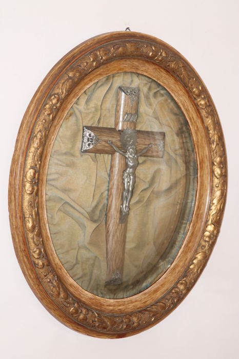 Old Crucifix Cross In Oval Convex Glass Frame Catawiki