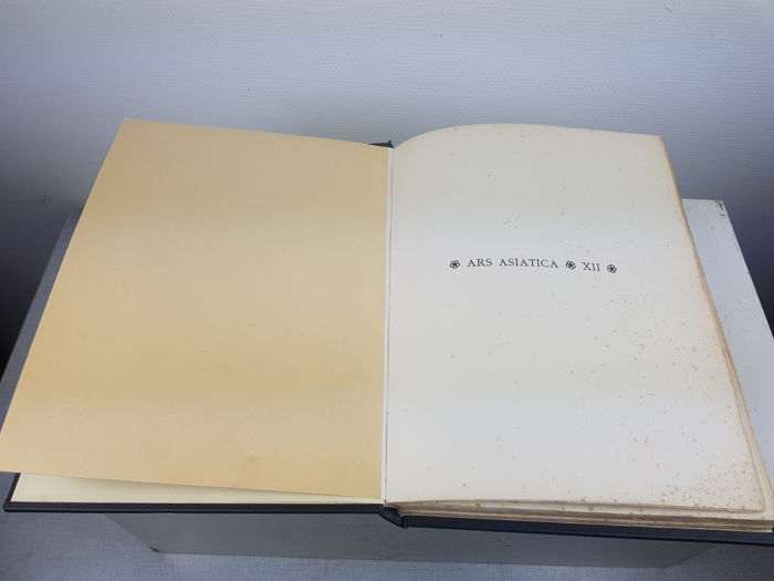 Ars Asiatica Book on Chinese art - Early 20th century