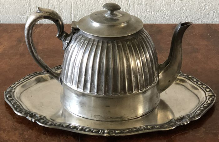 Sheffield , superior silver plated teapot with vintage oval silverplated tray
