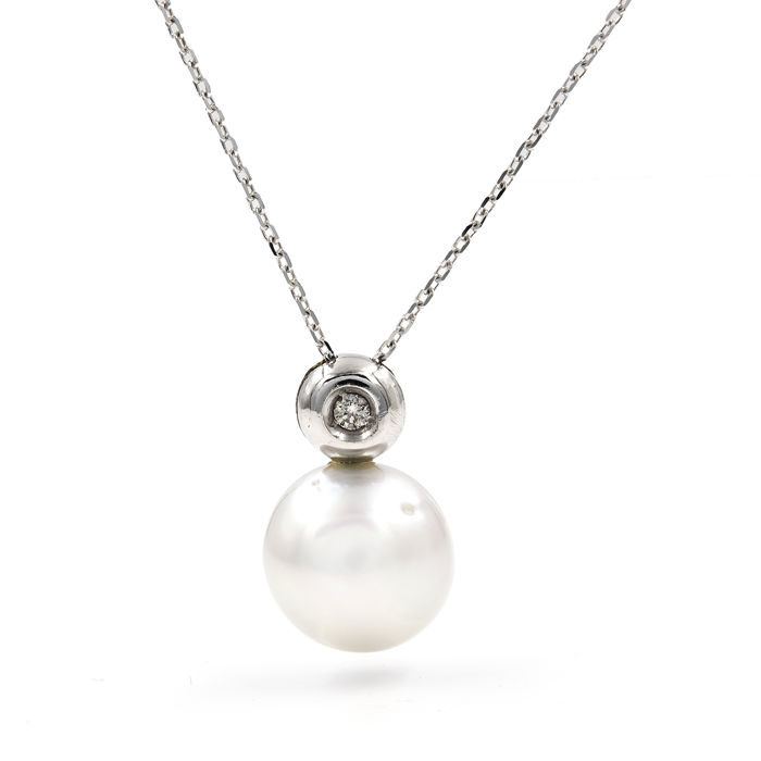 White gold 18 kt - Choker with pendant - Brilliant cut diamonds of 0.10 ct - Australian pearl of 9.90 mm