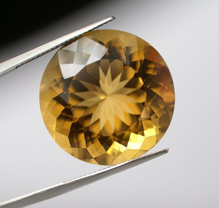 Citrine,-yellow-brown-orangy ,  34.82 ct