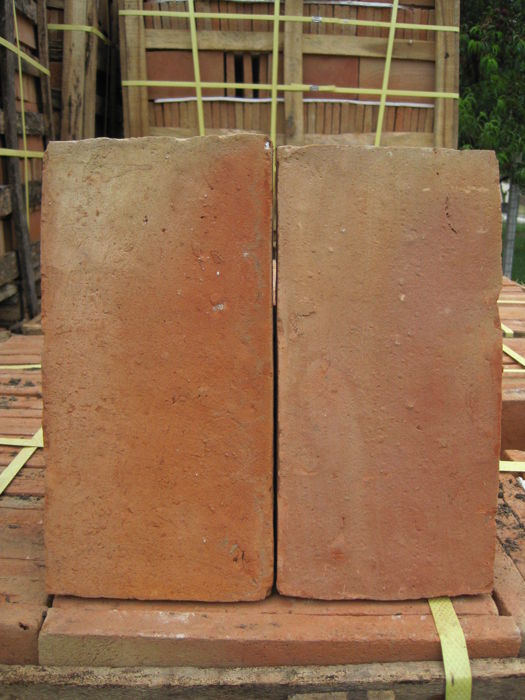 Handmade bricks fired in a wood kiln - 2.7 m2 - Italy - 20th century