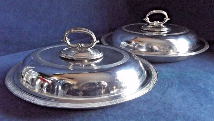 Old pair of English silver plated serving dishes with lids and handles, By James Dixon circa 1930
