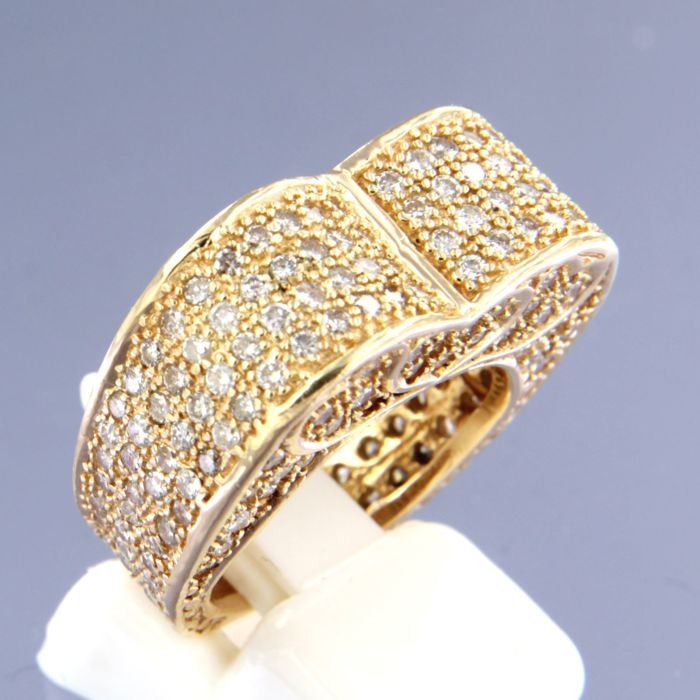 14 kt yellow gold ring, set with 208 brilliant cut diamonds, approx. 3.00 carat in total, ring size: 17 (53)