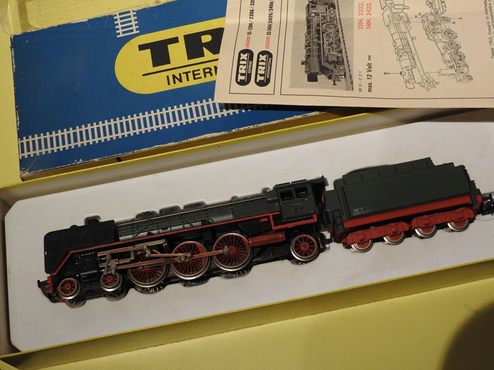 Trix International H0 - 52-2424-00 - Steam locomotive - BR01 - DR (DRB)