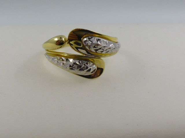 Ring in 18 kt yellow and white gold